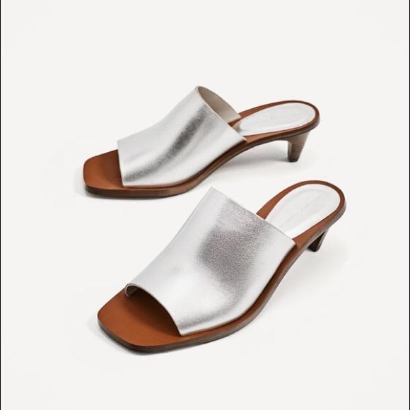 Zara silver metallic leather low hill sandals EUC